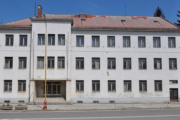 Objekt bývalej vojenskej správy.