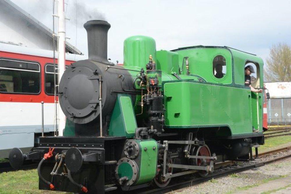Krutwig je najnovší zrekonštruovaný parný rušeň na Slovensku. Ožil po 45 rokoch núteného oddychu. Bude jazdiť na trati Košickej detskej historickej železnice.