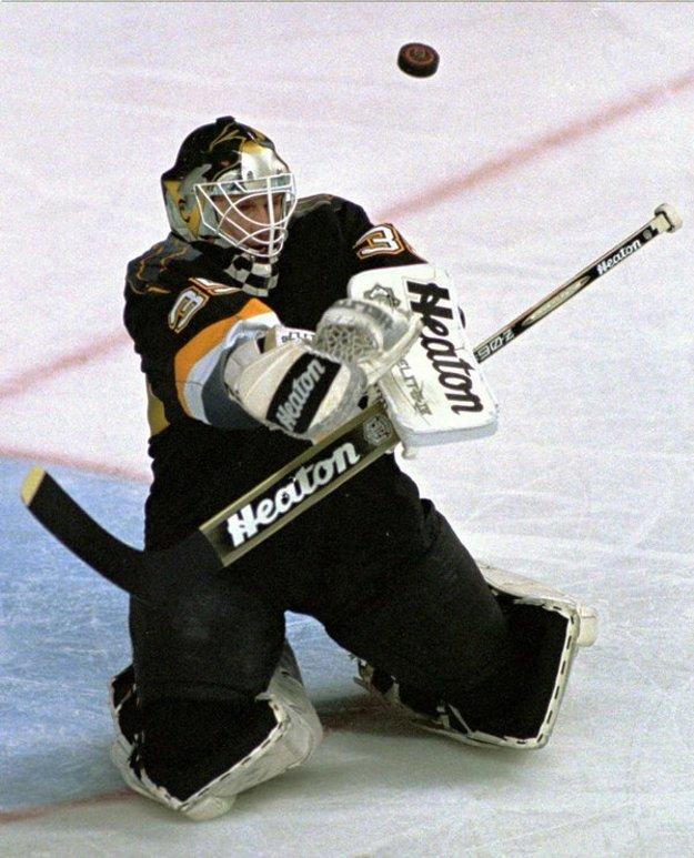 Najdlhšie Tom Barrasso pôsobil v Pittsburghu.