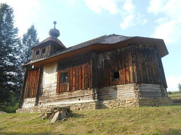 Drevený kostol Nanebovstúpenia Pána v Šmigovci z roku 1755.