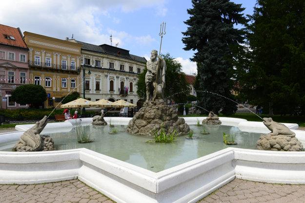 V súťaži sú najmä menej známe, ale pritom zaujímavé lokality. Prešovská fontána Neptún Prešovská fontána Neptún je priamo v strede mesta.