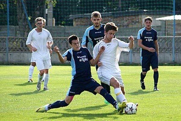 Snímka z nedávneho zápasu Tovarníky - Zbehy. Cez víkend obidve mužstvá vyhrali svoje zápasy 1:0.
