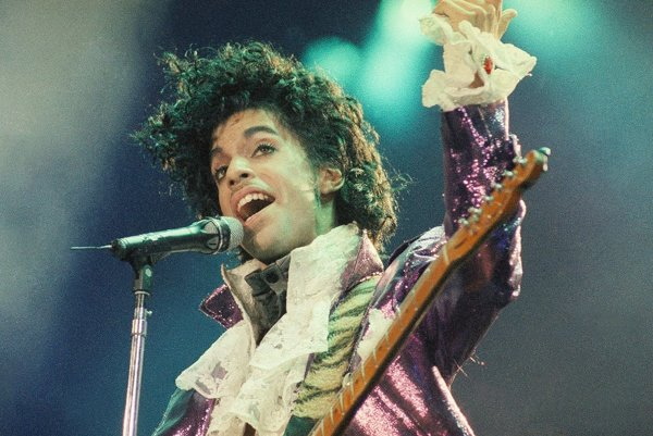 Prince zomrel 21. apríla 2016.