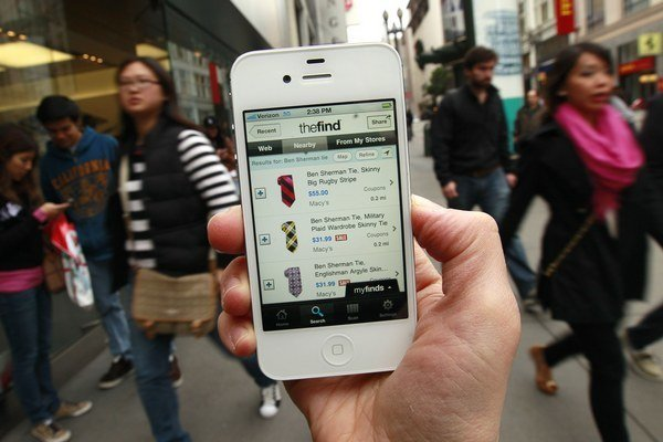 Roamingové ceny za prenesené dáta nútiacestovateľov pripájať sa aj na nezabezpečené wifi pripojenie.
