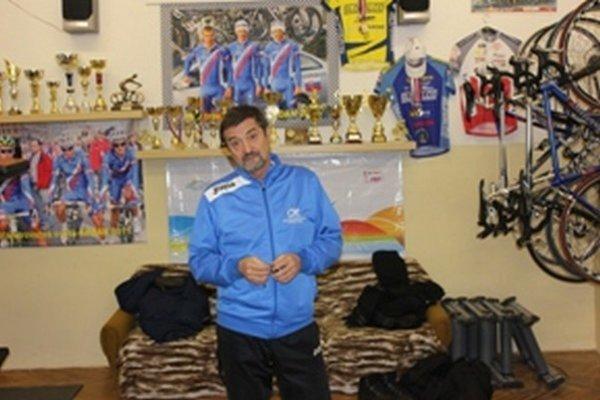 Tréner úspešných cyklistov MŠK Žiar nad Hronom.