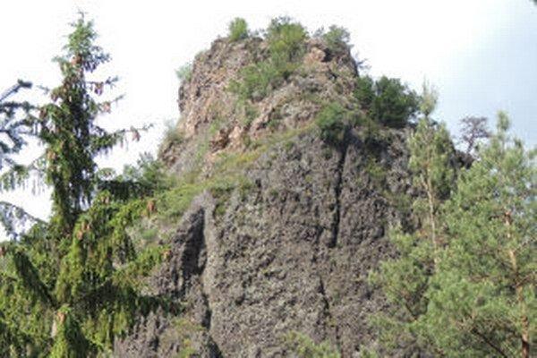 Szabóova skala je najstarší chránený prírodný výtvor na Slovensku. Za chránené územie bolo vyhlásené v roku 1908.