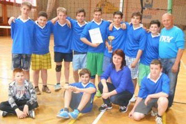 Bronzový volejbalový tím z Jastrabej.