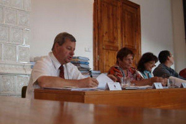 Poslanci a primátorka sa nezhodli na podobe mestského rozpočtu.