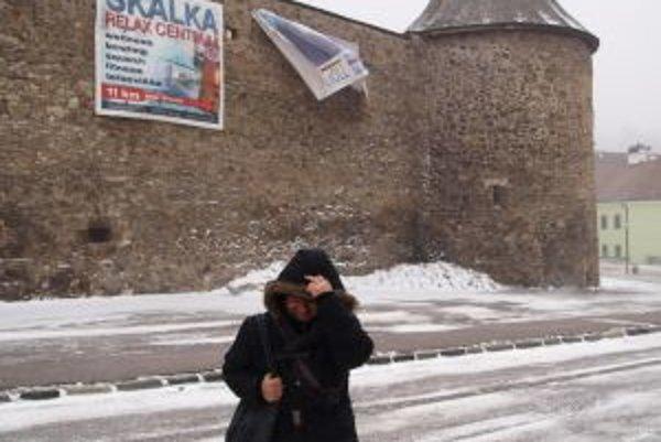 V Kremnici fúka silný vietor.