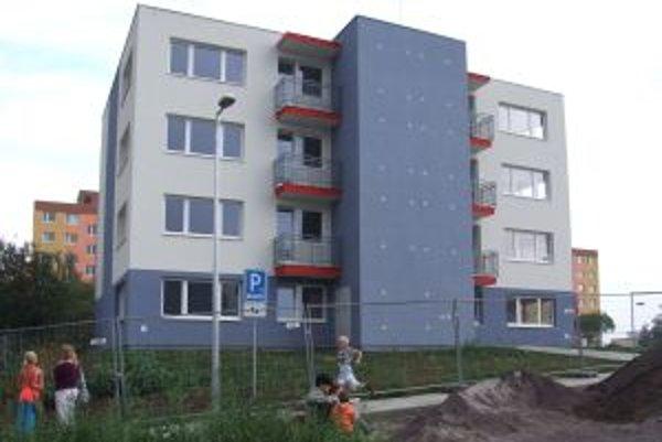 Jedna z nových bytoviek. Žiadatelia si byty mohli pozrieť na minulotýždňovej obhliadke.