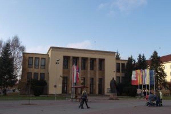 Žiarsky Dom kultúry by mal otvoriť svoje brány ako sídlo strednej školy.