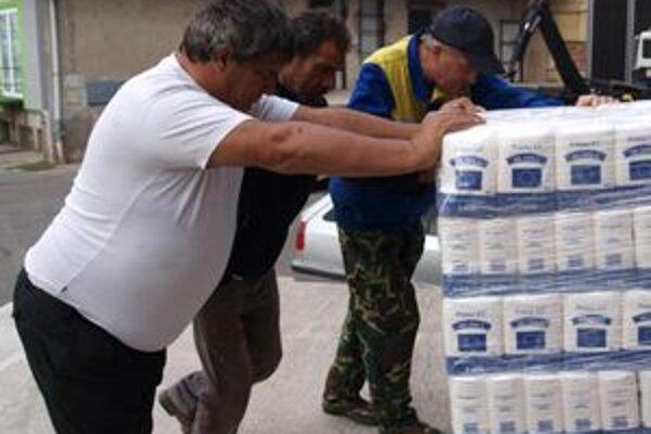 Dvadsať ton potravín uskladnili v mestskom kultúrnom centre.
