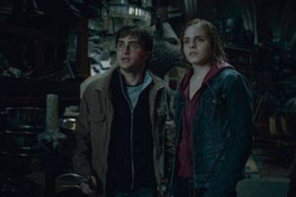 Záverečný diel príbehov o čarodejníkovi Harry Potterovi je podľa fanúšikov najtemnejší z celej série.