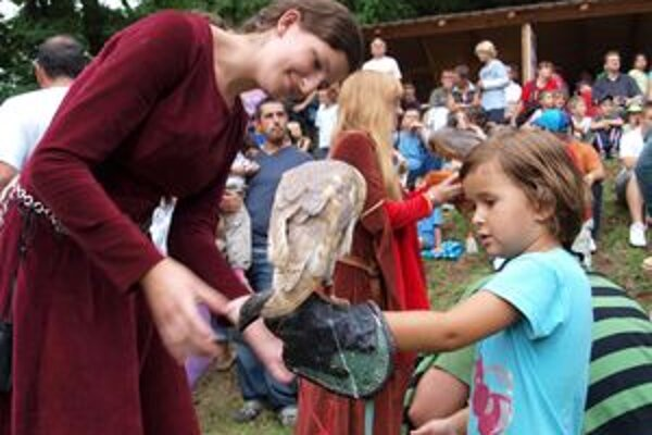 Tradičný program hradných hier tento rok rozšíri dobový stanový tábor.