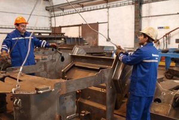 V strojárňach začali s produkciou predných a zadných rámov na cestné valce.