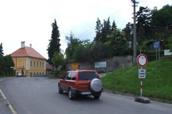 Zákaz vjazdu vodiči často nerešpektujú.