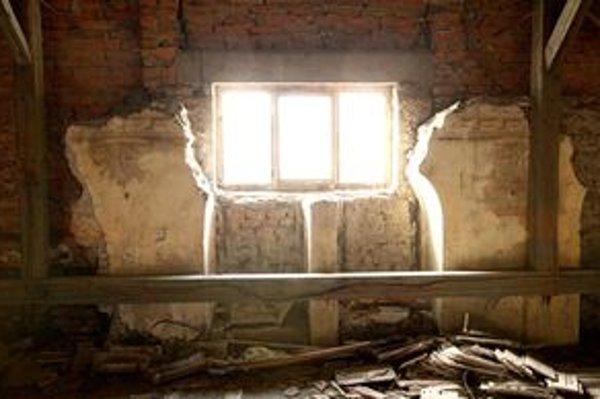 Zvyšky sanagógy sú ukryté pod strechou domova sociálnych služieb.