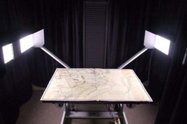 Štátny ústredný banský archív sa môže pochváliť najväčším skenerom na Slovensku.