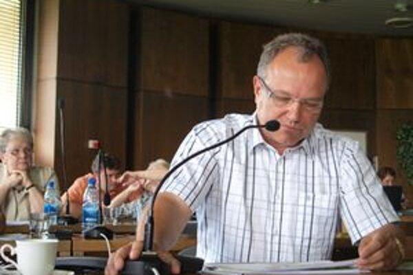 Poslanec Ladislav Kukolík (Smer SD) vyčíta mestu, že o zmene v projekte obchvatu Žiaru nad Hronom, neinformovalo.