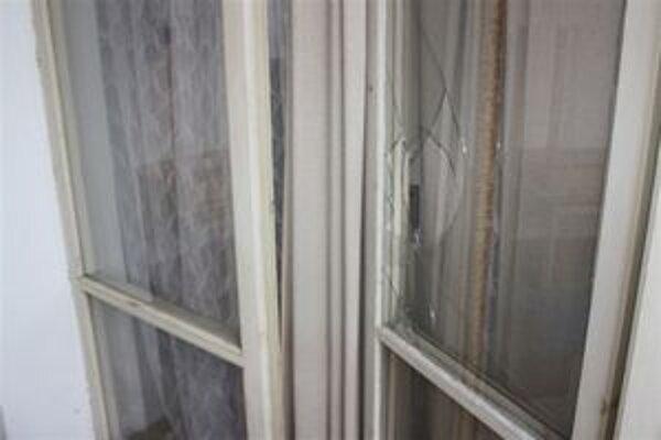 Do škôlky sa zlodeji dostali cez balkónové dvere.