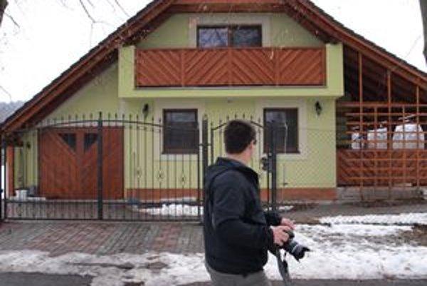 Rodinný dom na okraji historického parku chce mesto odstrániť, žiarsky podnikateľ ho tam postavil, aj keď naň nemal stavebné povolenie.