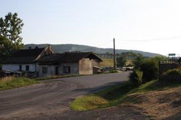 Jedna ulica sa rozdelila medzi mesto a dve ďalšie obce.