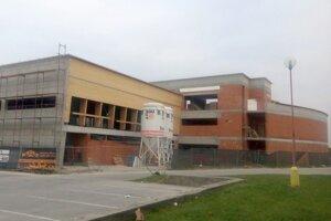 Hrubá stavba akvaparku je už hotová, aktuálne zriaďujú vodovodnú prípojku.