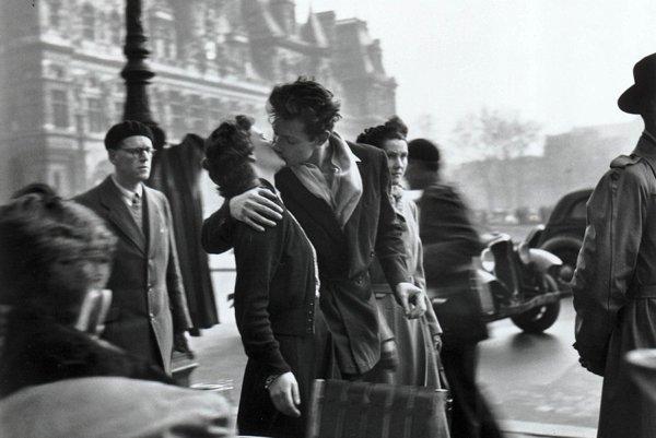 Bozk pred parížskou radnicou.