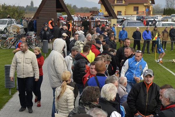 Borčice zažili futbalový boom. Na ich štadióne bolo viac ako 2000 divákov.