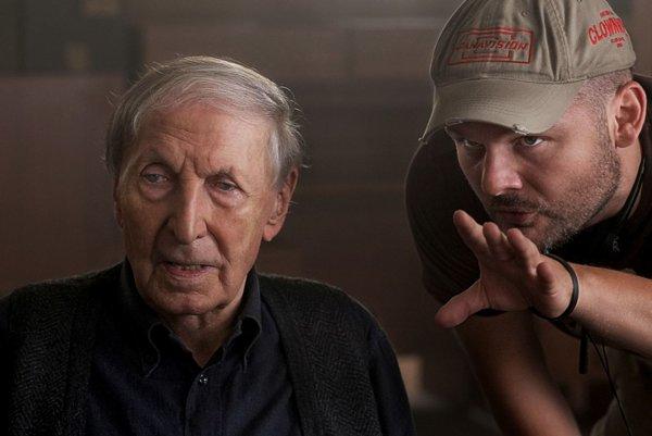 Režisér Michal Kollár nakrútil divácky film Červený film. Aj keď sa to u nás nepatrí.