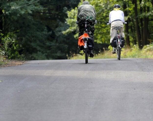 K cyklonabíjačkám postupne pribudnú ďalšie veci na podporu cykloturistiky