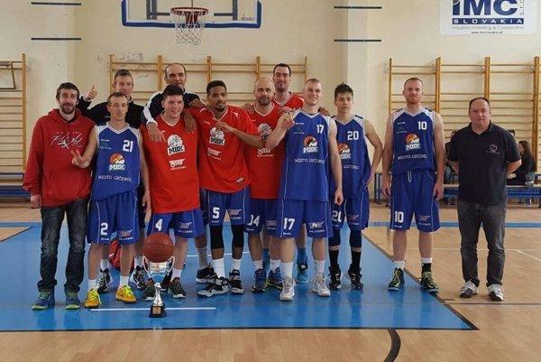 MBK Lučenec - Víťaz I. ligy mužov s cennou trofejou.