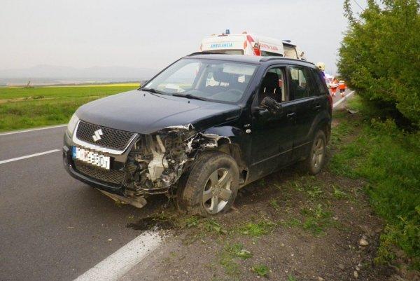 Nehoda na ceste pri Bánovciach.