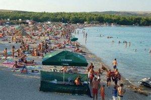 V Chorvátsku sú vyhlásené pláže zvyčajne plné, ale v skalách nádjete aj malý kúsok len pre seba.