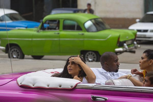 Havanu navštívila aj televízna hviezda Kim Kardashian s manželom Kanye Westom.