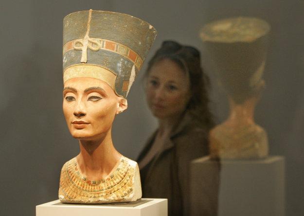 Busta egyptskej kráľovnej Nefertiti