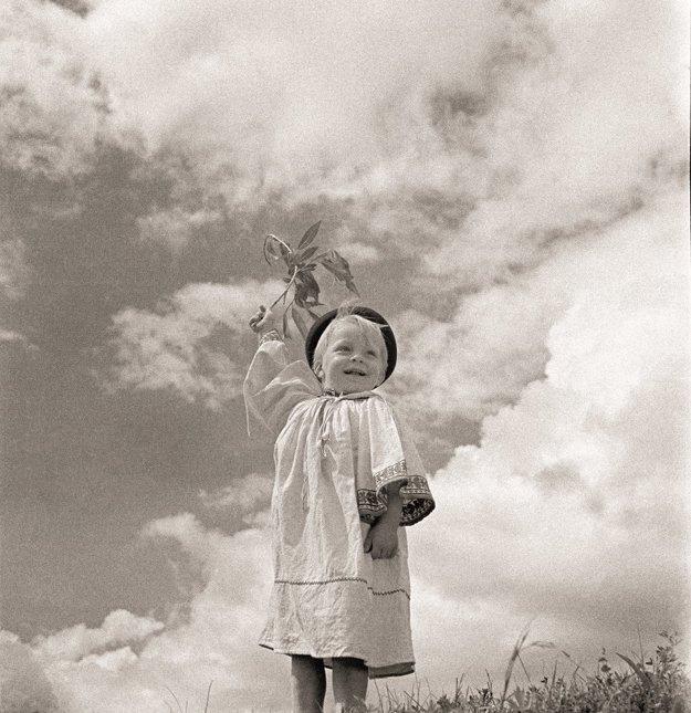 Chlapček s vetvičkou, Závadka, 1932