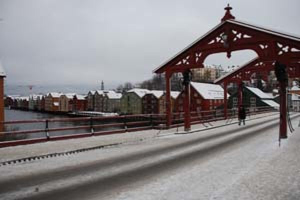 Old Town Bridge a rieka Nidelva.