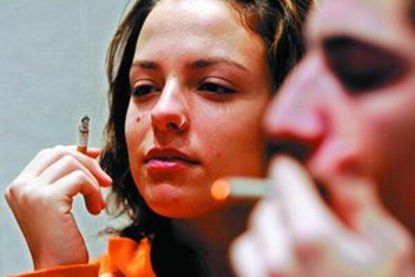 Vzdať sa cigarety v reštaurácii či v bare nebude pre mnohých Rakúšanov ľahké. Zatiaľ im to však tak skoro nehrozí.