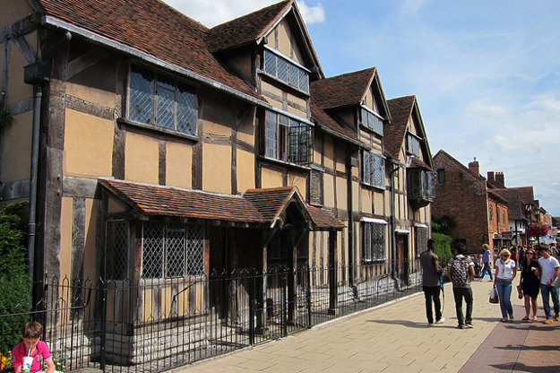 Rodné mesto Wiliama Shakespeara každoročne navštívia viac ako dva milióny turistov.