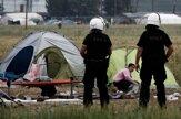 Gréci začali evakuovať utečencov z Idomeni