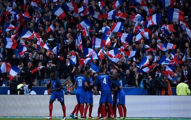 Záverečný turnaj ME otvoria domáci Francúzi v súboji proti Rumunsku.
