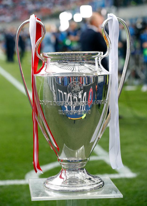 O túto trofej dnes večer zabojujú Real a Atlético - ušatá trofej Ligy majstrov.