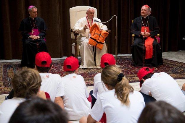 Pápež na stretnutí s deťmi.