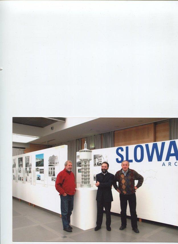 Z viedenskej výstavy o slovenskej architektúre.