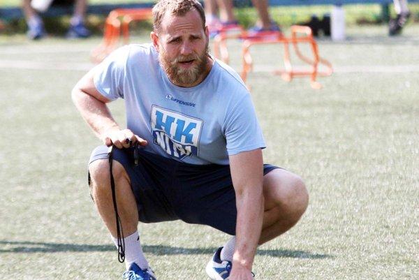 """Tréner Andrej Kmeč si ešte nehodlá oholiť """"play-offovú"""" bradu."""