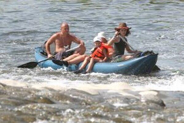 Denne plánujú ochranári splaviť približne 25 až 30 kilometrov.