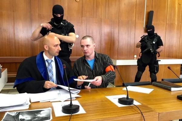 Súd nemal pochybnosti o vine Josefa Junga (vpravo).