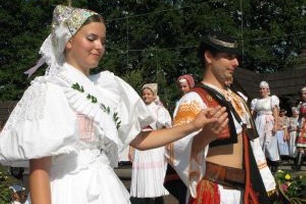 Folklórne slávnosti pod Poľanou priblížia aj tradície  svadobných obradov.