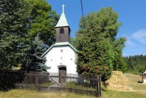 Rázovitá obec v Podpoľaní má trinásť osád.
